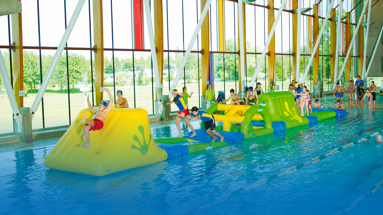 Revitalize and increase visitor numbers with Wibit's interlocking combinations and transform your swimming pool into a water adventure for all ages.